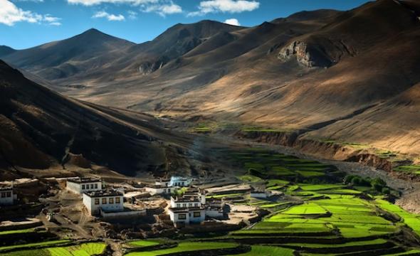Dicen que los pueblos tibetanos respiran una paz difícil de explicar. Foto de Coolbie Re.