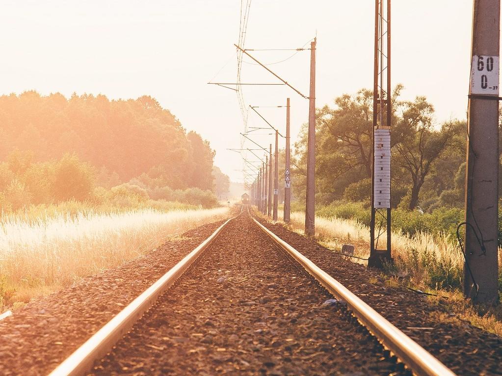 light-sunset-train-lakeslider
